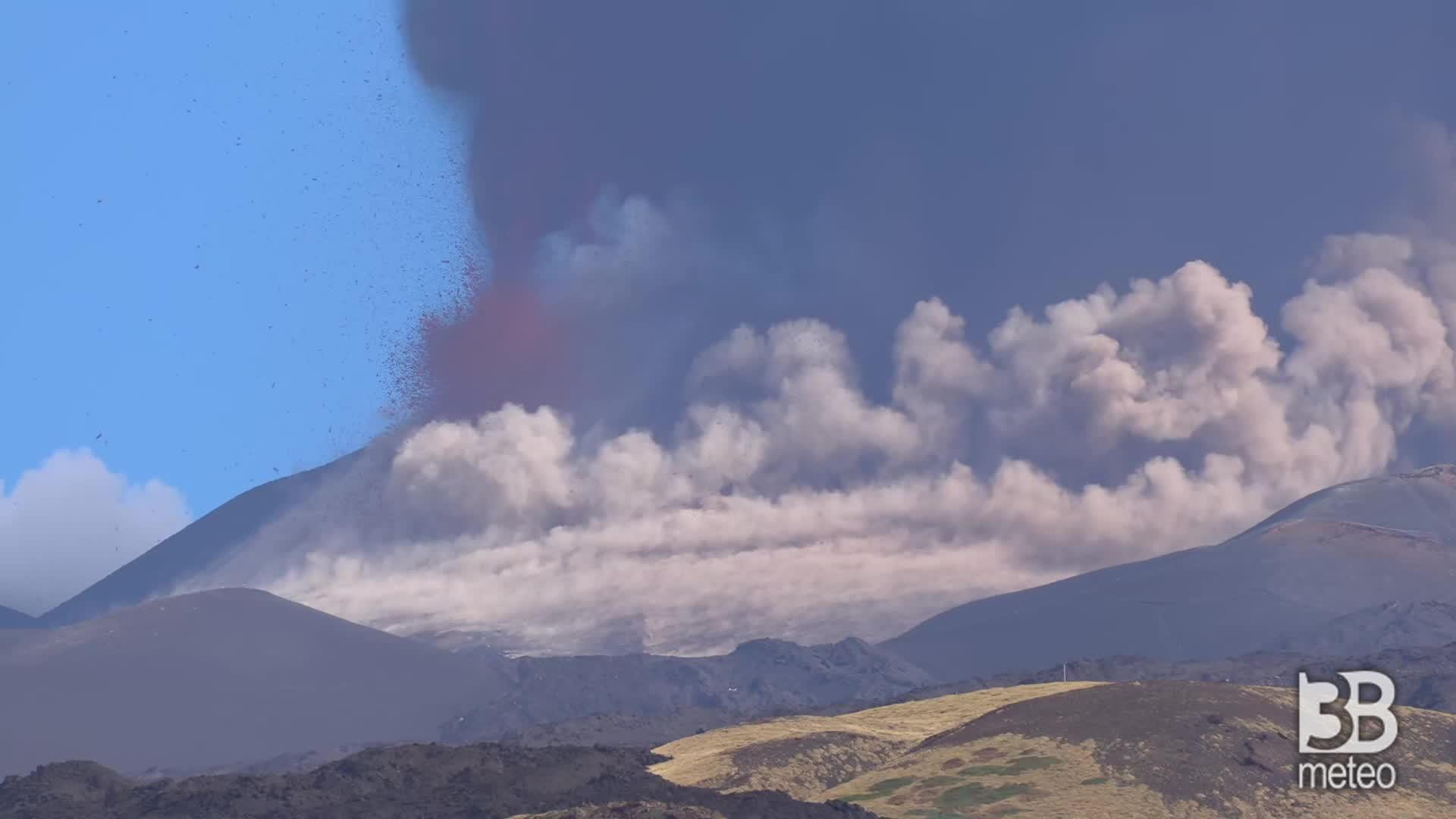 CRONACA DIRETTA - Etna, nuova eruzione: ripresa attività dal Cratere sudest - VIDEO