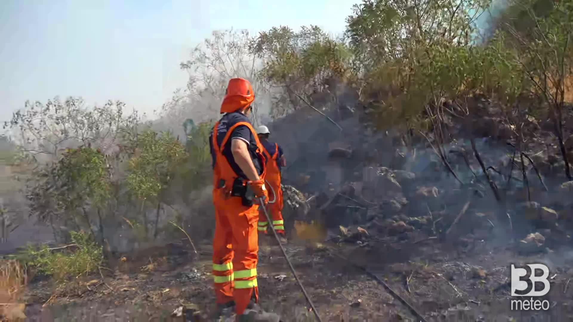 CRONACA - Nuovo incendio nel Catanese: Scordia, vvff spengono rogo - VIDEO