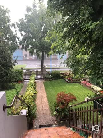Meteo cronaca diretta: forte pioggia a Brescia. VIDEO