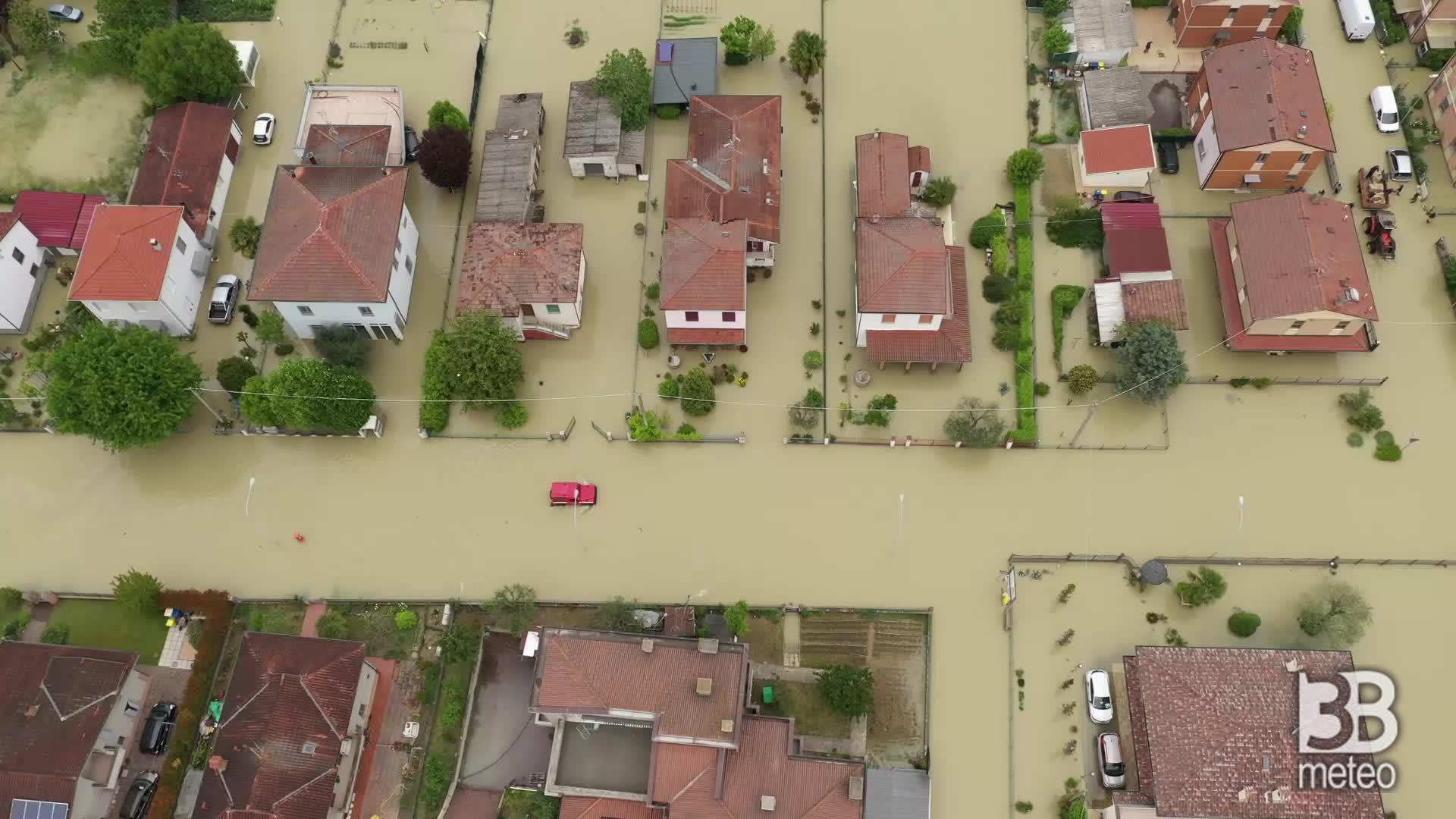 Alluvione a Villafranca di Forlì: 200 case inondate, video drone