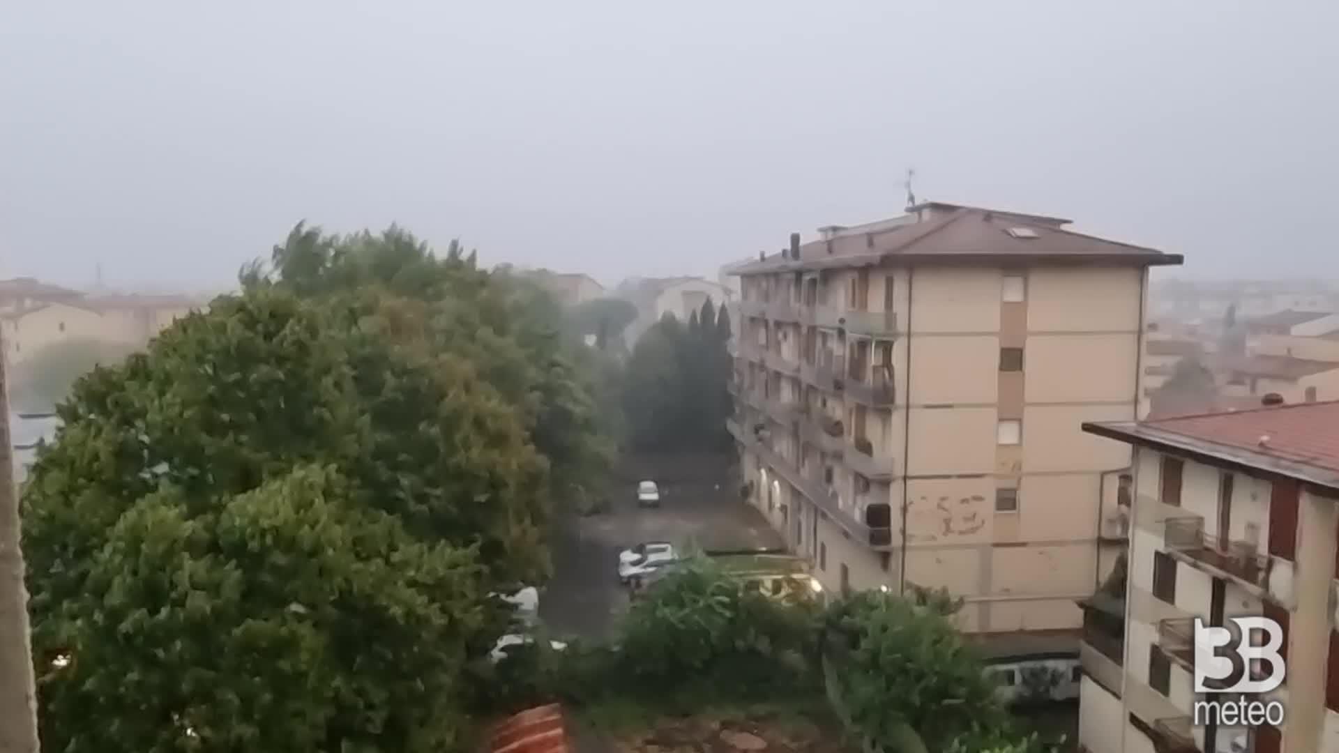 Forte rovescio nella zona di Firenze
