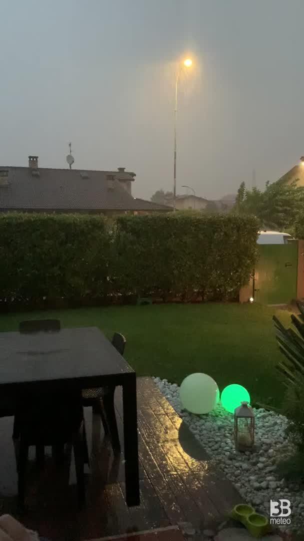 Cronaca meteo video. FORTI TEMPORALI anche in provincia di BRESCIA