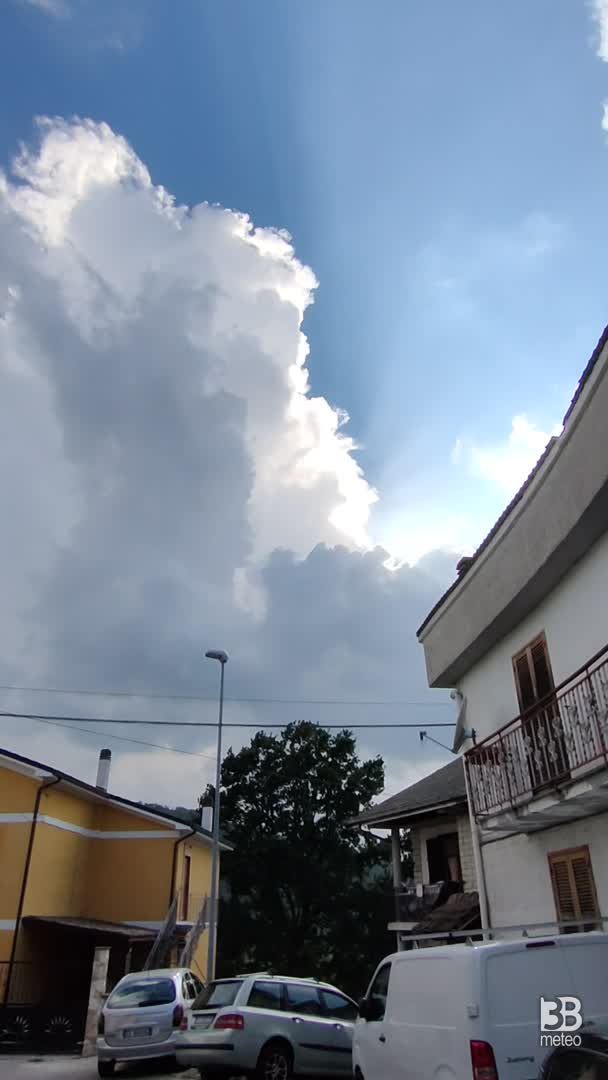 Cronava meteo video, LAZIO: CUMULONEMBO a Turania