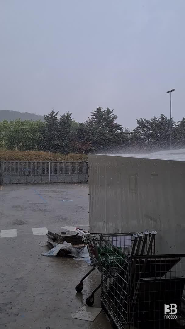 CRONACA METEO DIRETTA - Ancora MALTEMPO al Nord, temporali e nubifragi in provincia di Alessandria - VIDEO