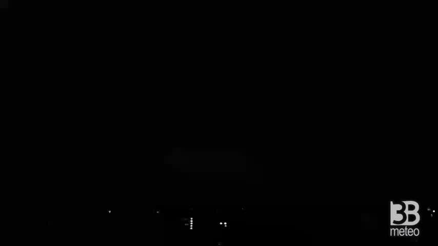 Cronaca meteo VIDEO: NUOVO TEMPORALE A TORINO con FULMINI