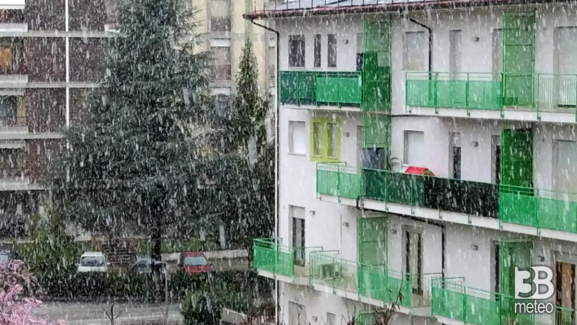 Cronaca meteo VIDEO: NEVE A SULMONA, in Abruzzo