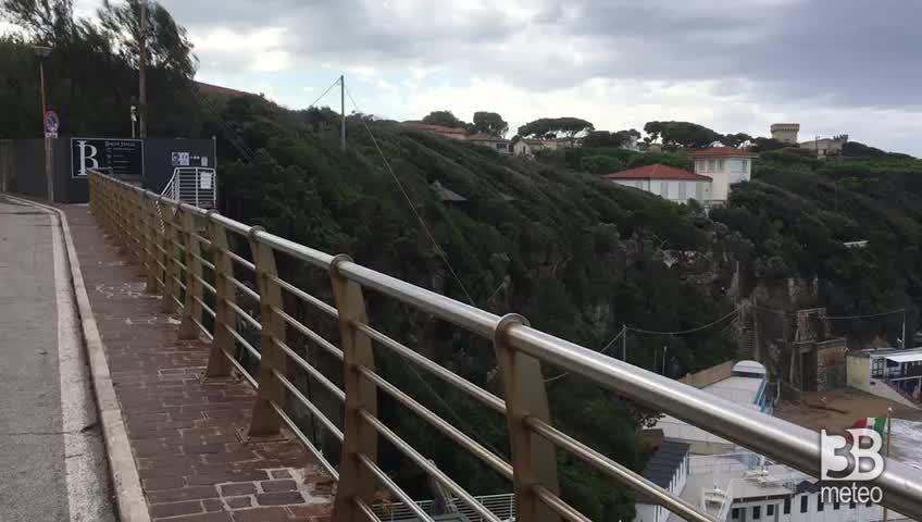 Cronaca DIRETTA VIDEO, mari agitati sulle coste italiane