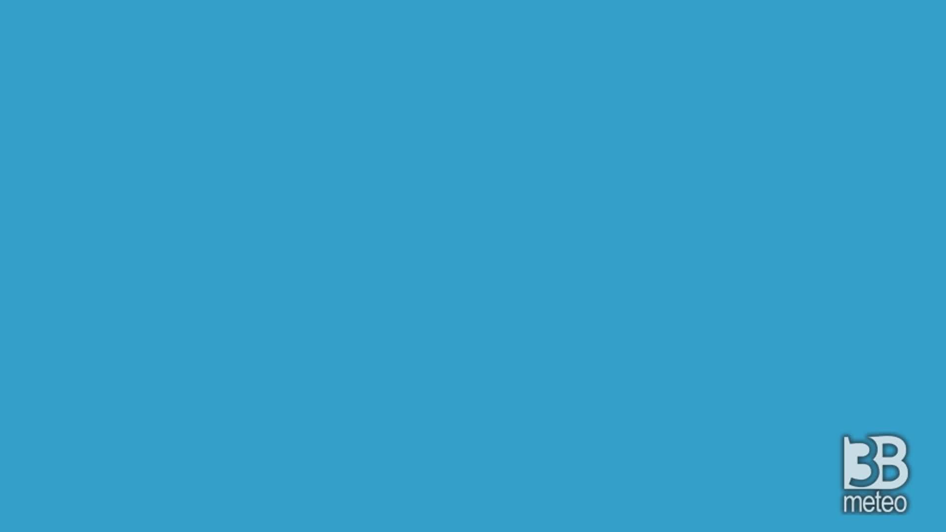 Cronaca meteo VIDEO. Piena del fiume sarca ponte arche