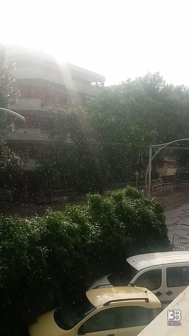 Cronaca DIRETTA VIDEO, pioggia con sole a Pescara