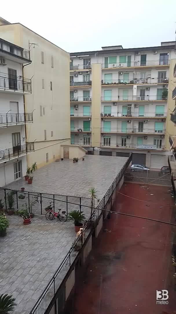 Cronaca meteo VIDEO: FORTE TEMPORALE A CROTONE