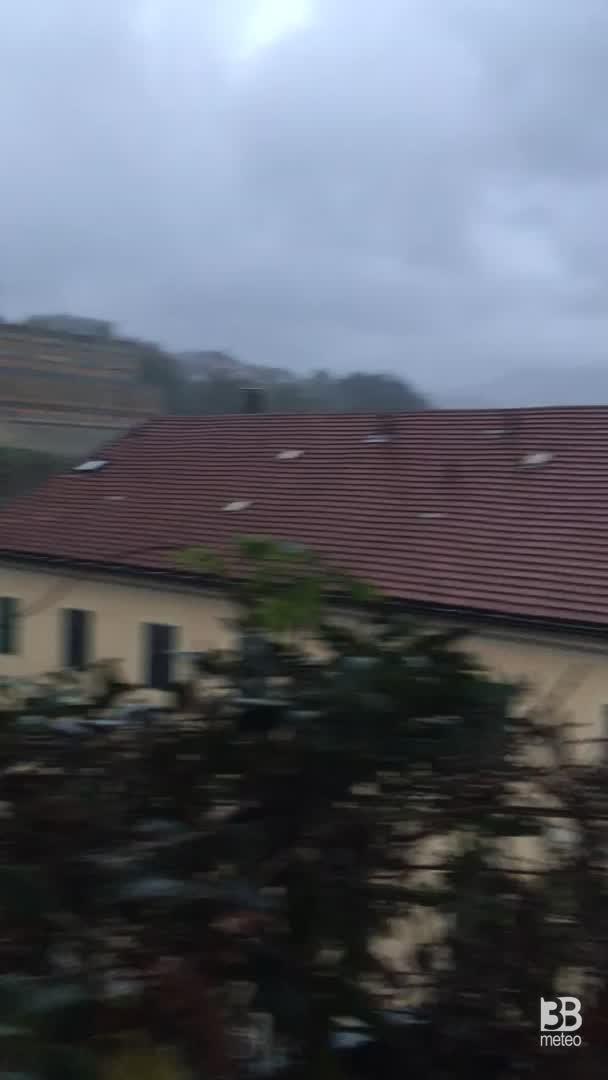 Cronaca meteo video - Pioggia forte e vento a Campomorone