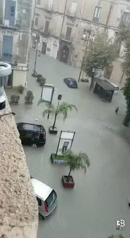 Video meteo alluvione sciacca 2 3b meteo for Meteo palma di montechiaro