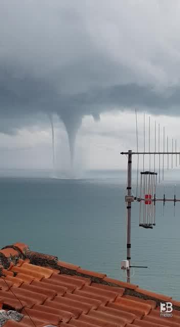 Cronaca meteo video. Spettacolare tromba marina a Lerici