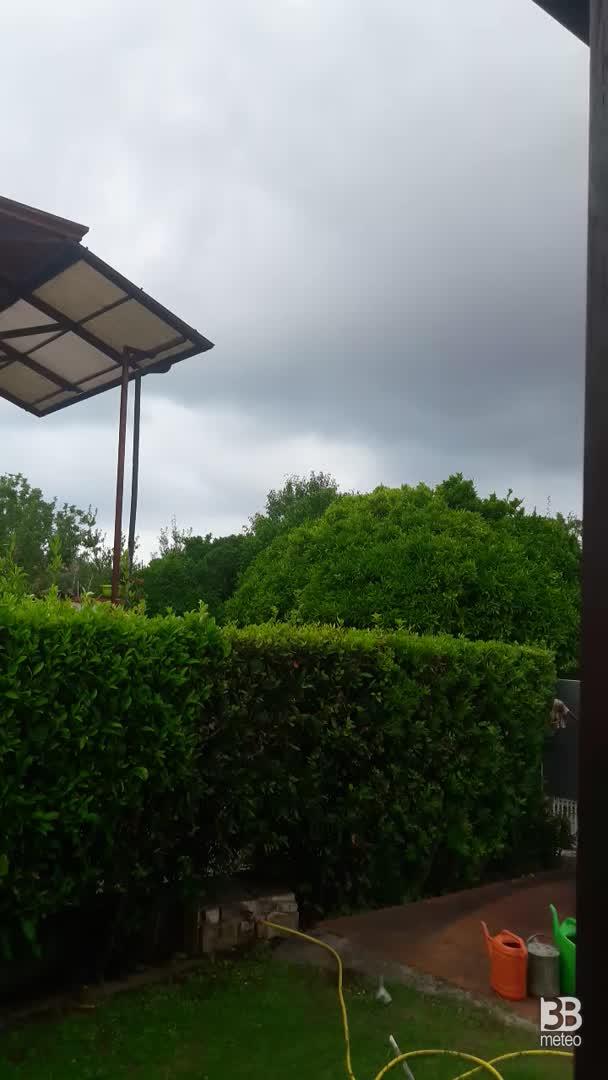 CRONACA METEO DIRETTA - TEMPORALI in arrivo in Toscana, la situazione a MASSA - VIDEO