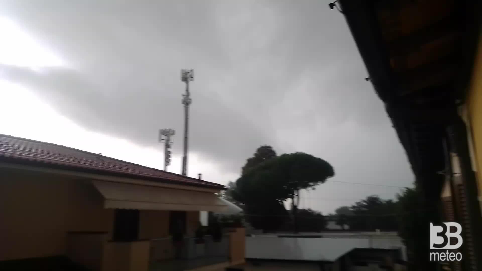 Forte temporale in arrivo a Prato