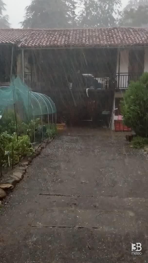 CRONACA METEO - TEMPORALI violenti e GRANDINE domenica vicino a TORINO - VIDEO