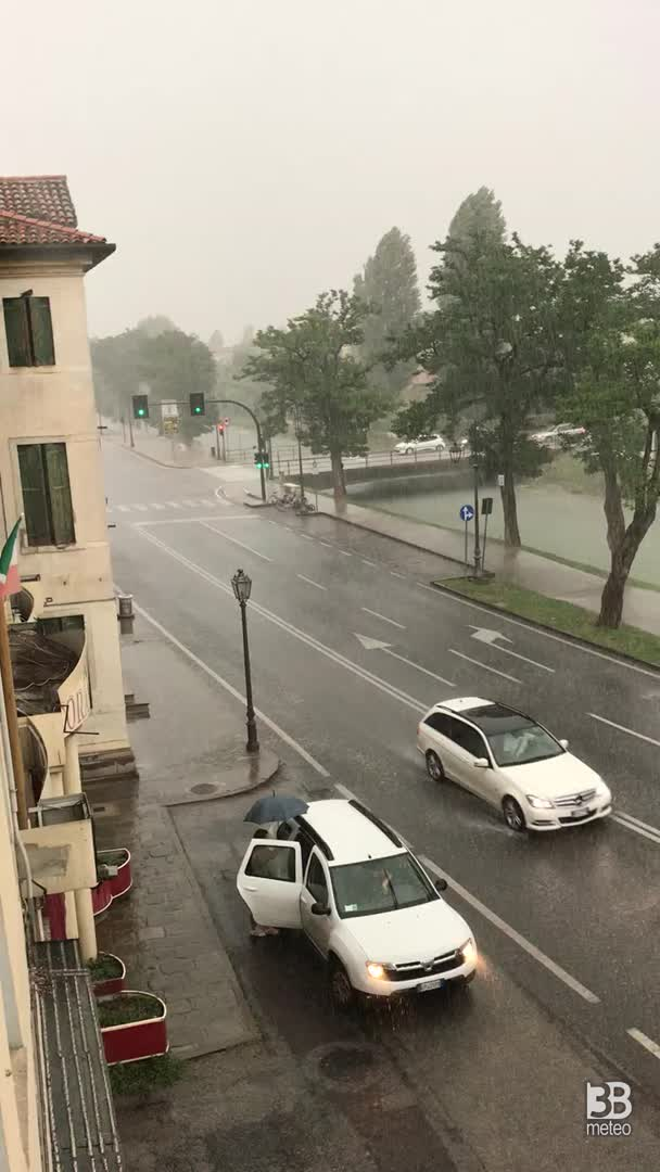 Cronaca meteo video: temporale a Dolo , Venezia
