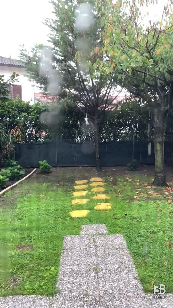 CRONACA METEO VIDEO. I temporali di lunedì in Lombardia, la situazione poco a sud di MILANO