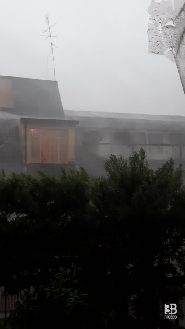 Cronaca meteo VIDEO: VIOLENTO TEMPORALE a TORINO
