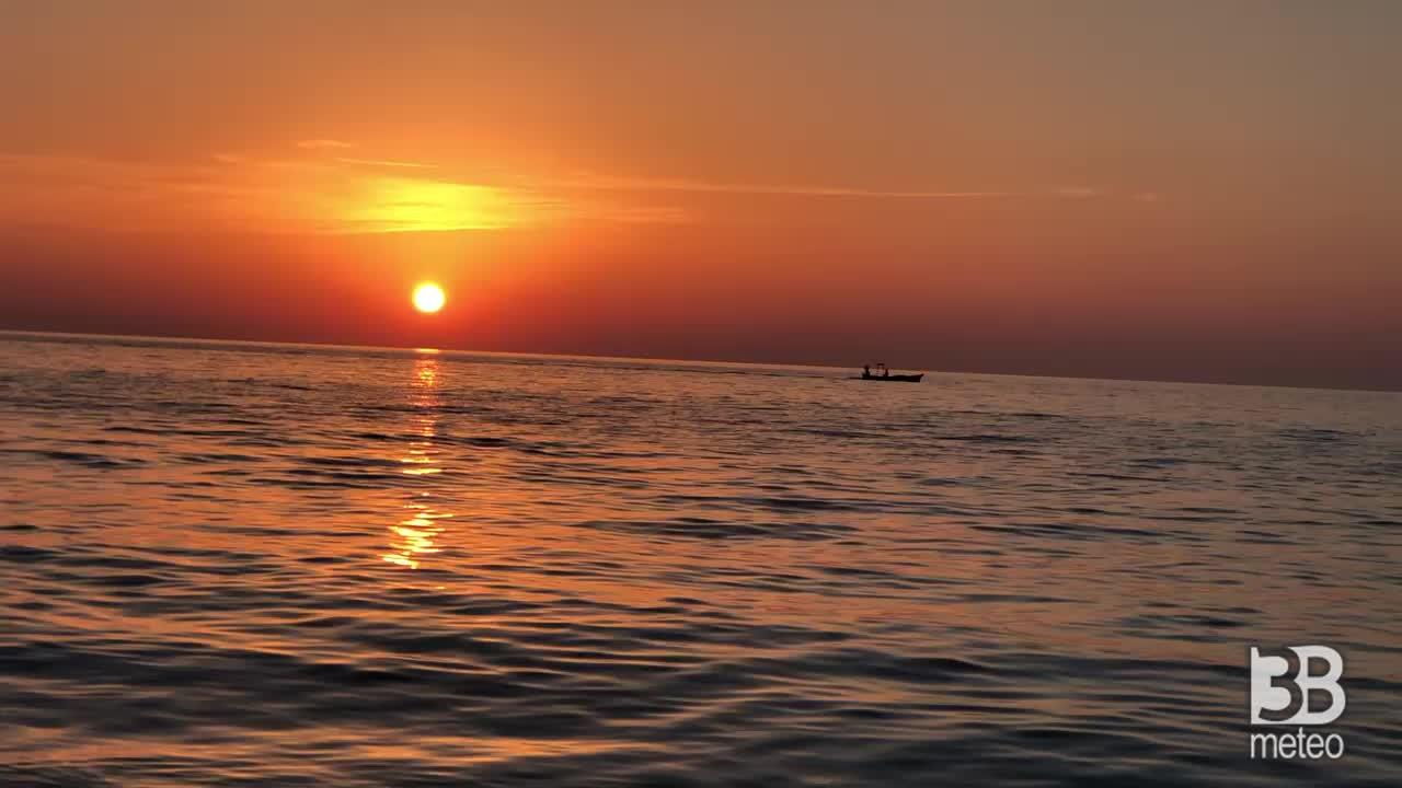 Meteo diretta: Tramonto a Marina di Davoli, Catanzaro