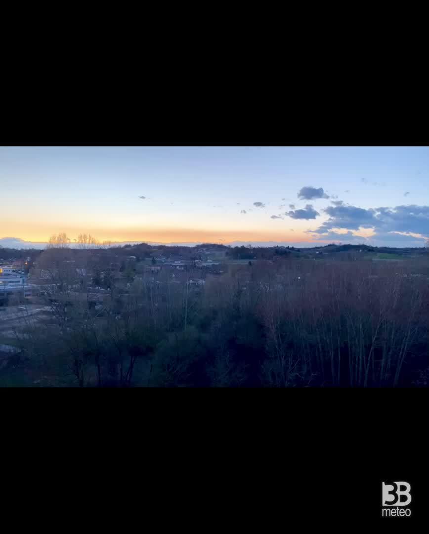 CRONACA METE - Il tramonto di giovedì nella provincia di ASTI in TIME LAPSE - VIDEO