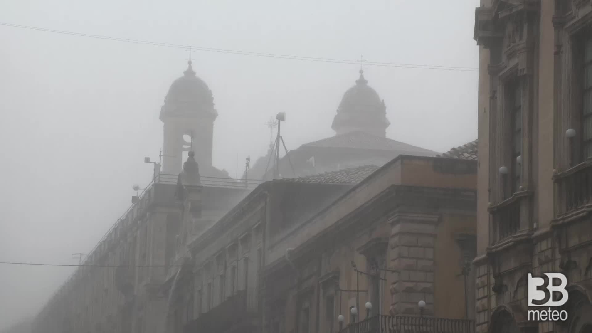Cronaca meteo: precipitazioni a carattere di nubifragio su Catania; disagi, allagamenti e vittime