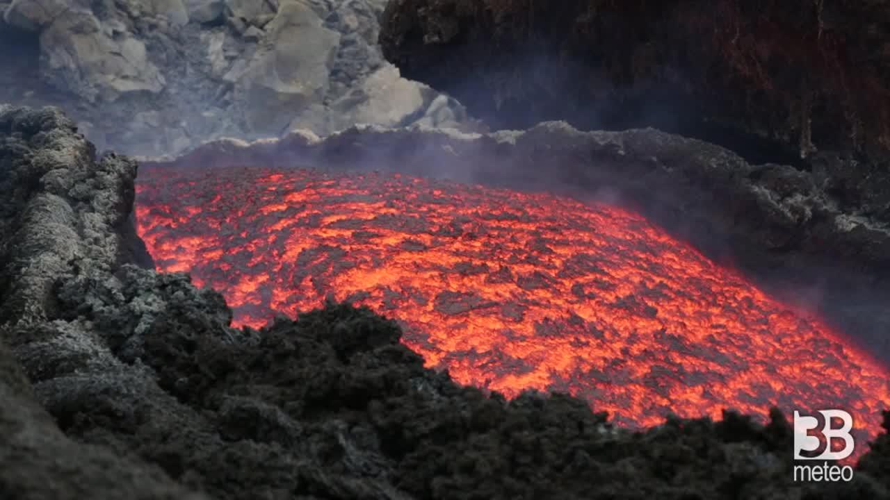 Etna il fiume di lava