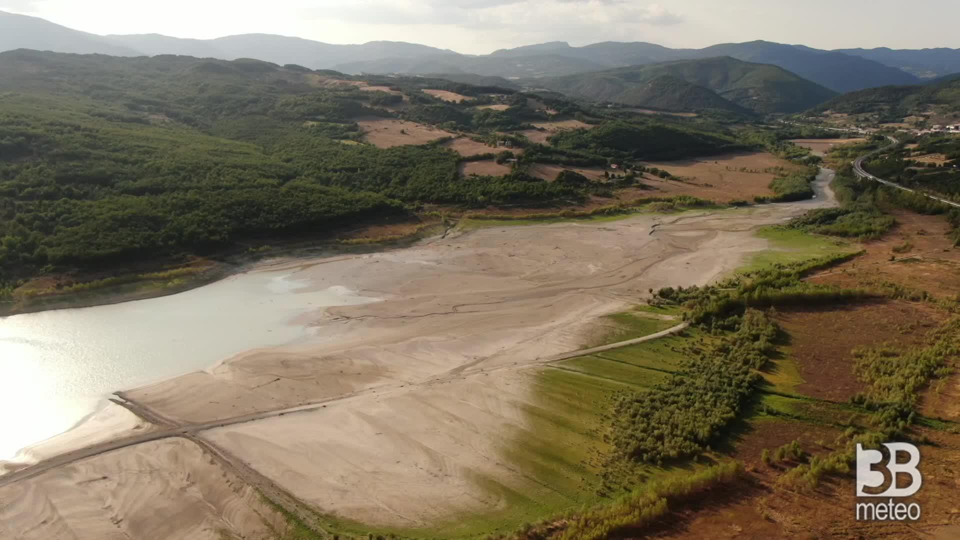 Siccit?, il lago di Montedoglio: il livello pi? basso dal 2012