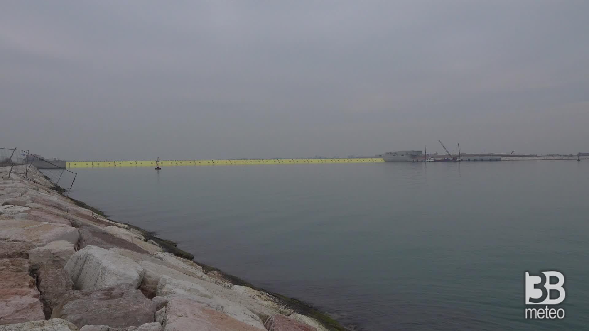 Test del Mose al Lido di Venezia: riuscito sollevamento paratoie