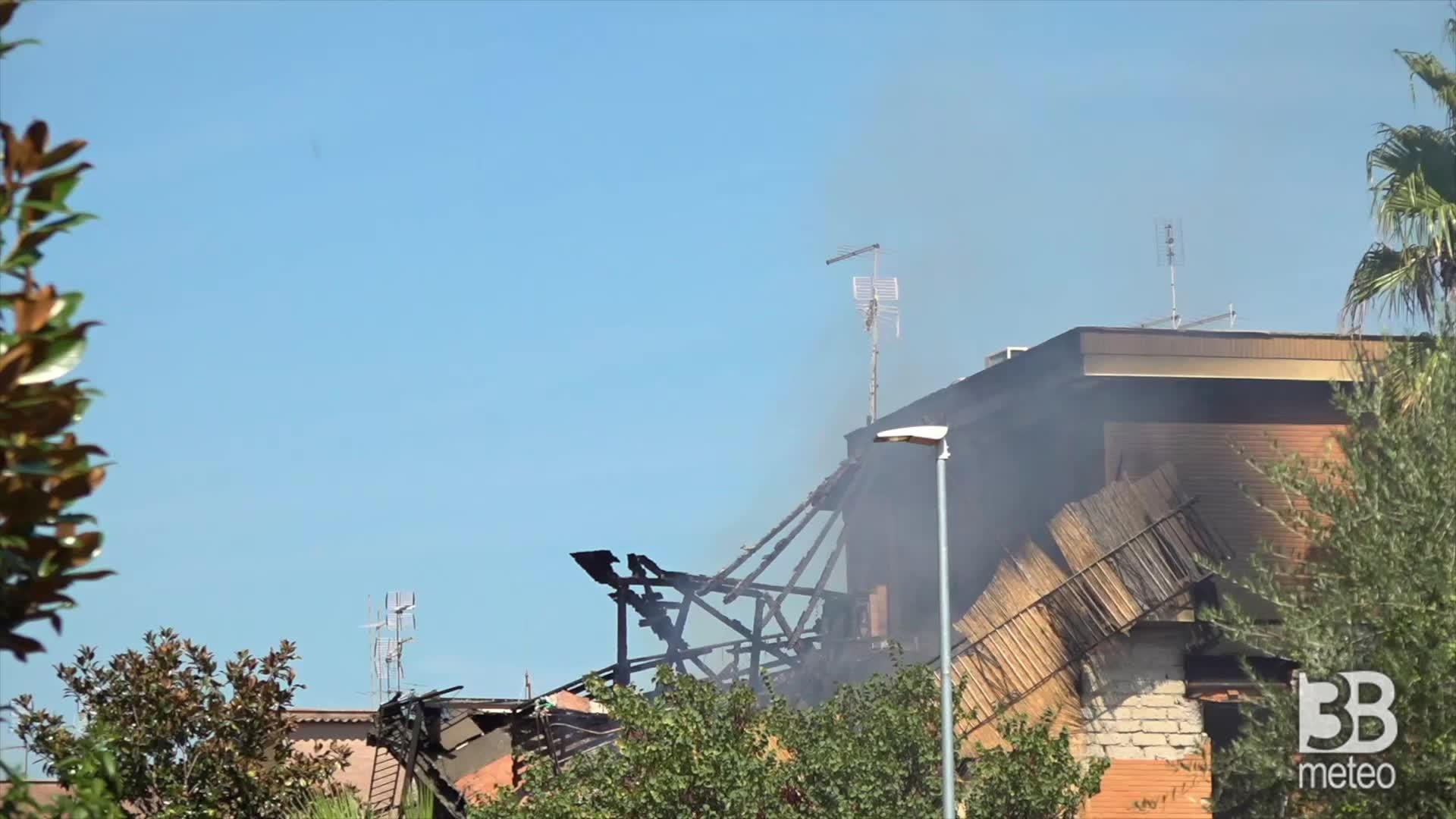 Torre Angela, i danni alla casa: immagini da diversa prospettiva