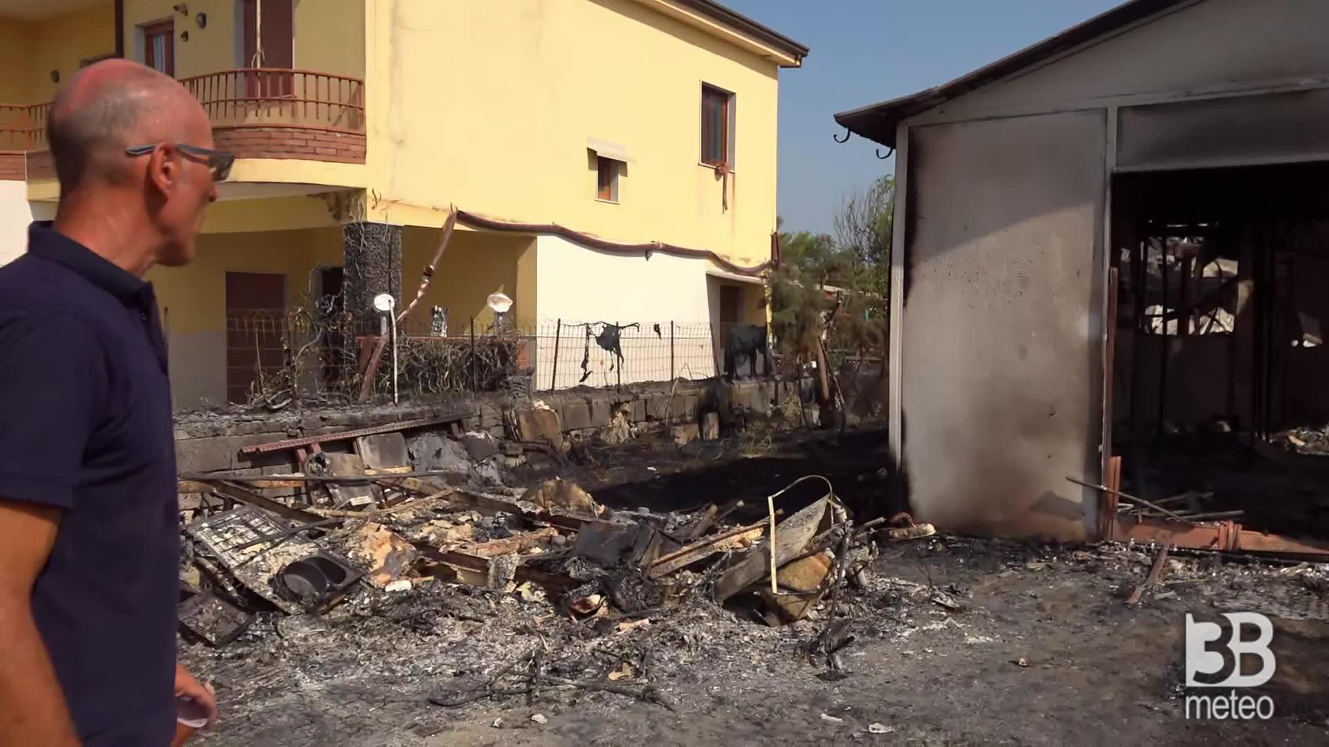CRONACA DIRETTA - Incendio Catania, case bruciate: siamo qui senza nulla - VIDEO