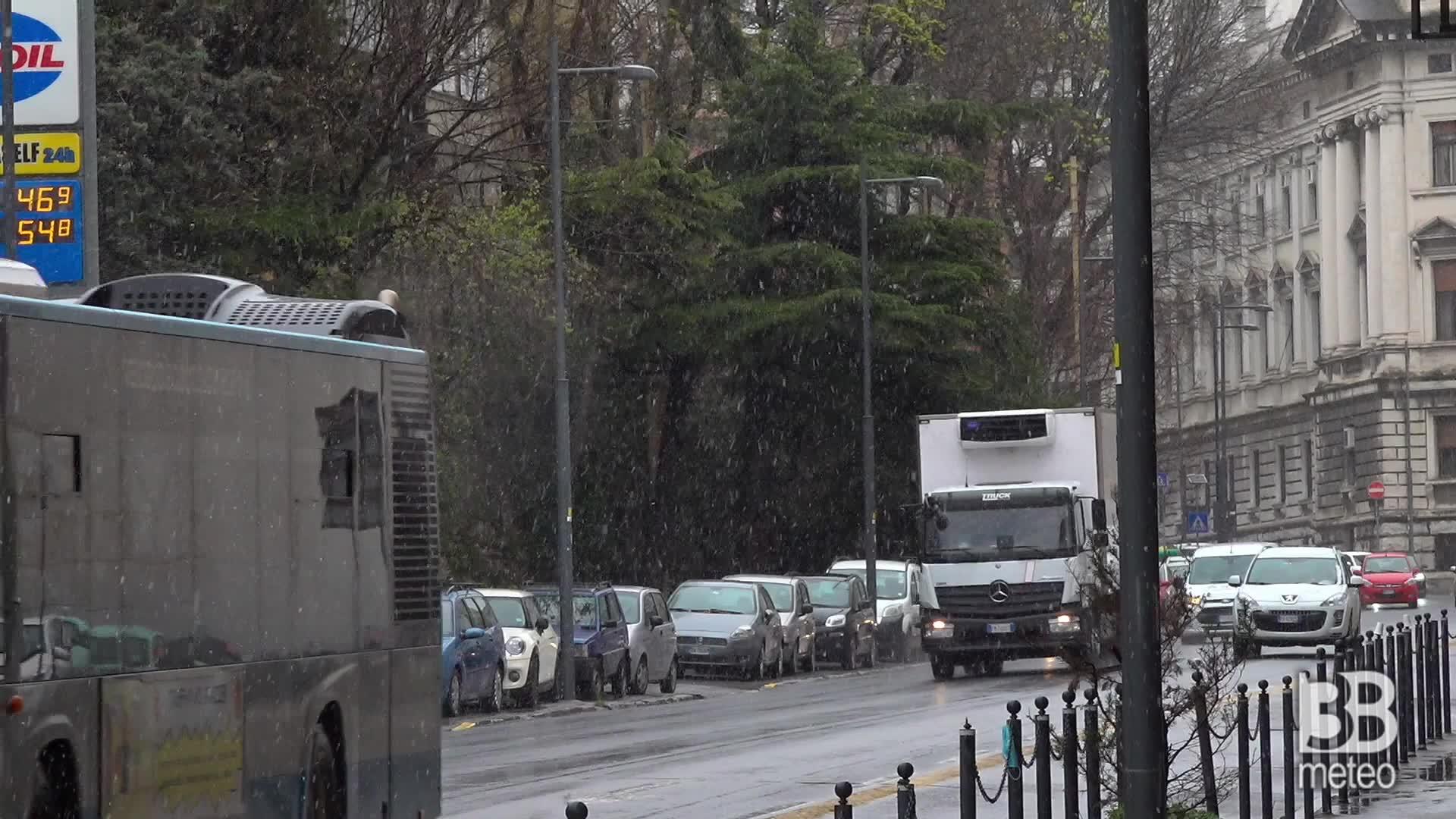 Trieste, le temperature scendono: i primi fiocchi di neve