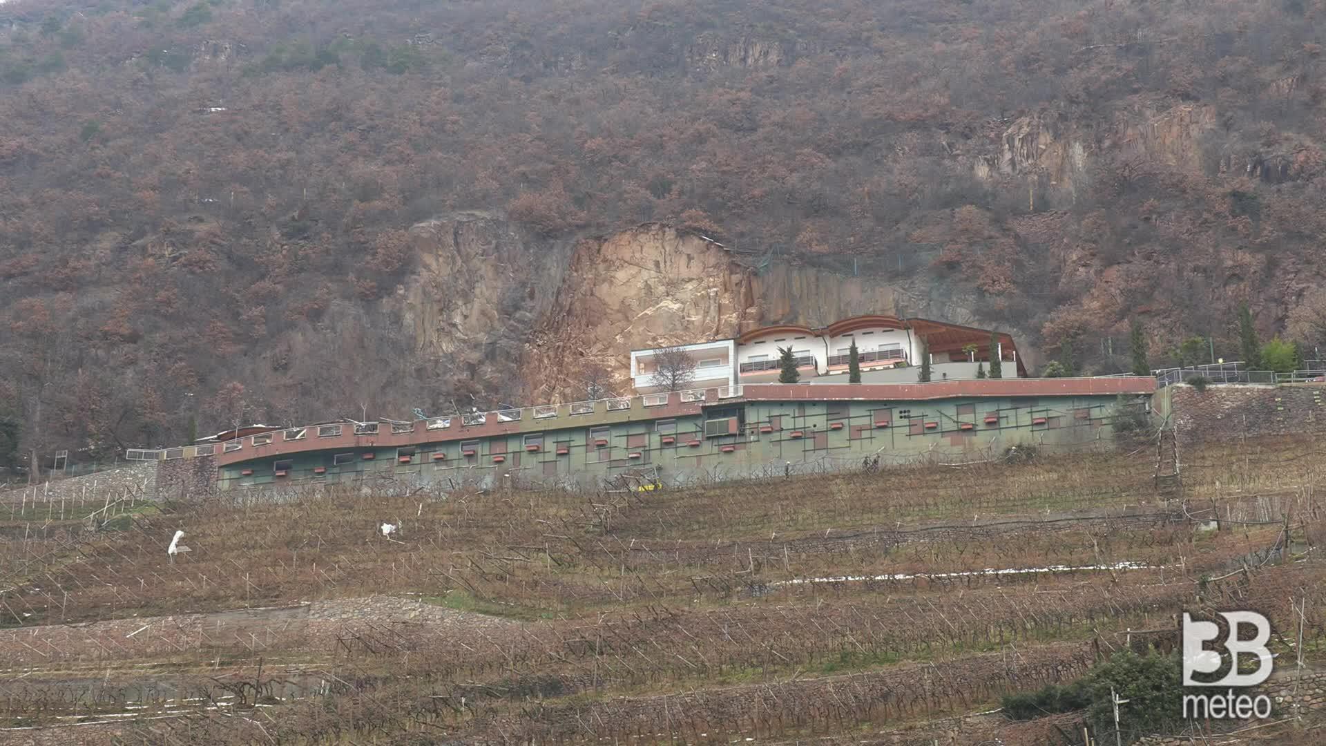 Tragedia sfiorata a Bolzano: il grande distacco roccioso