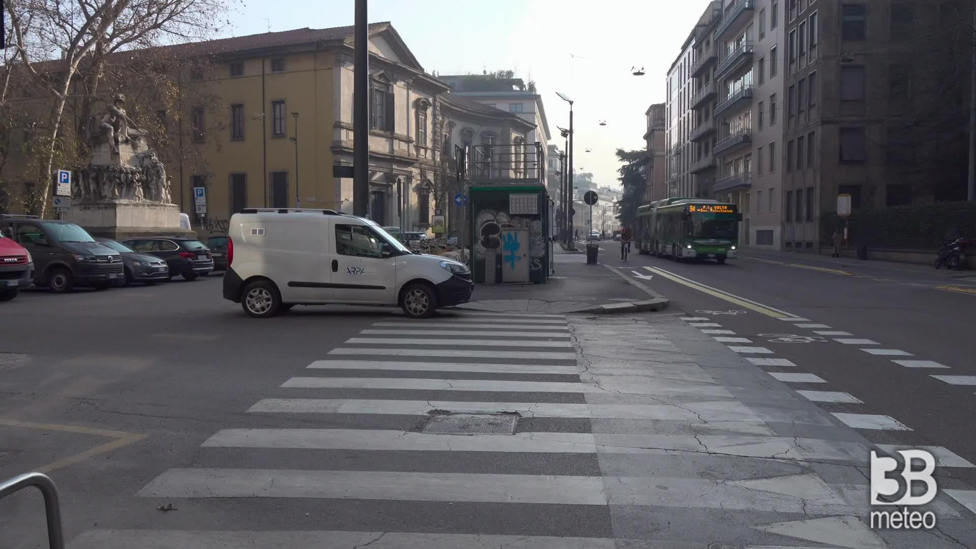 Emergenza smog a Milano: immagini della centralina Arpa