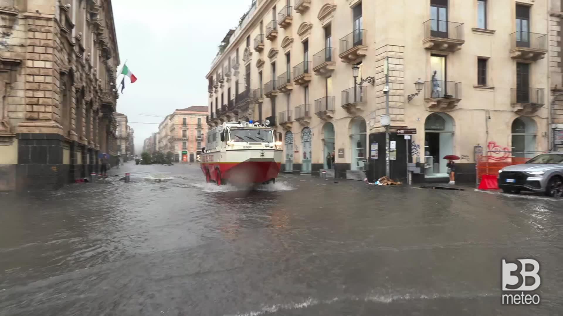 Alluvione a Catania: strade come fiumi in piena