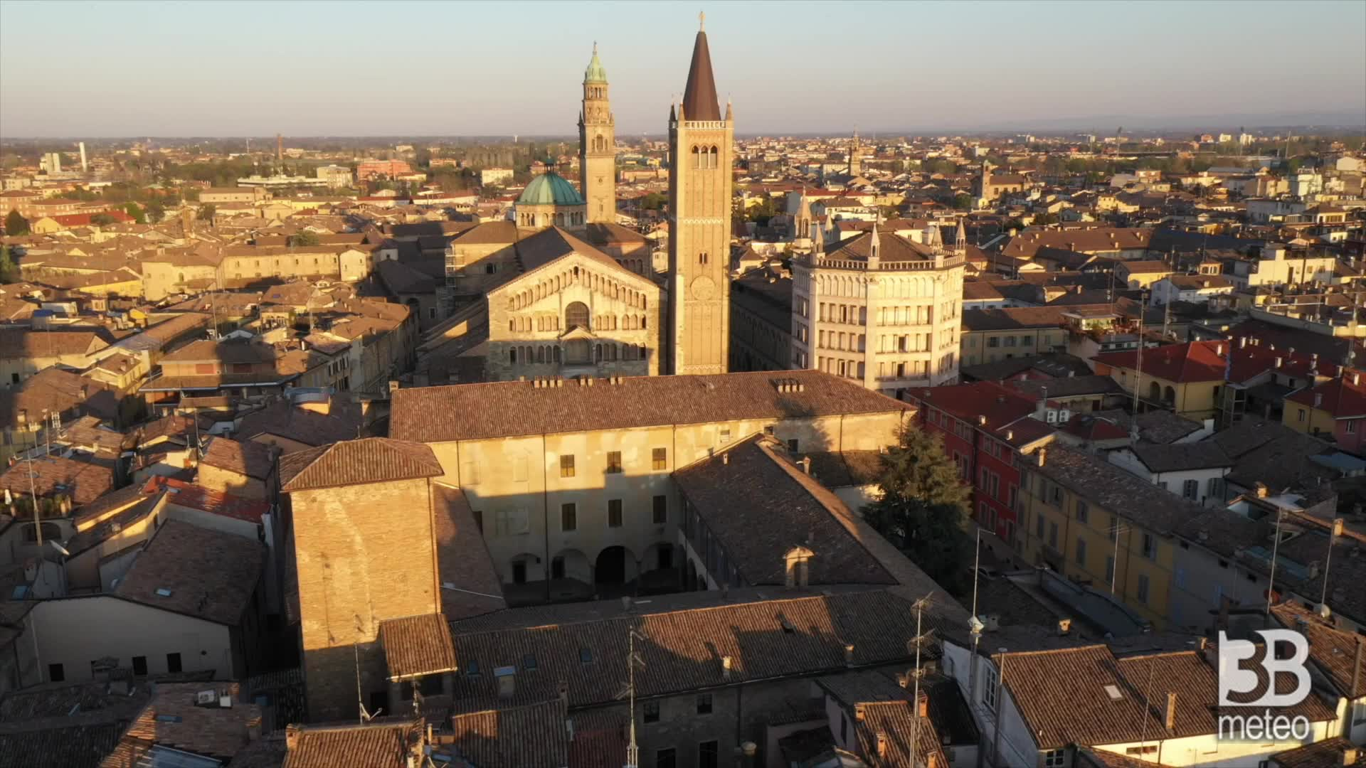 Parma deserta vista dal drone: le immagini aeree del centro