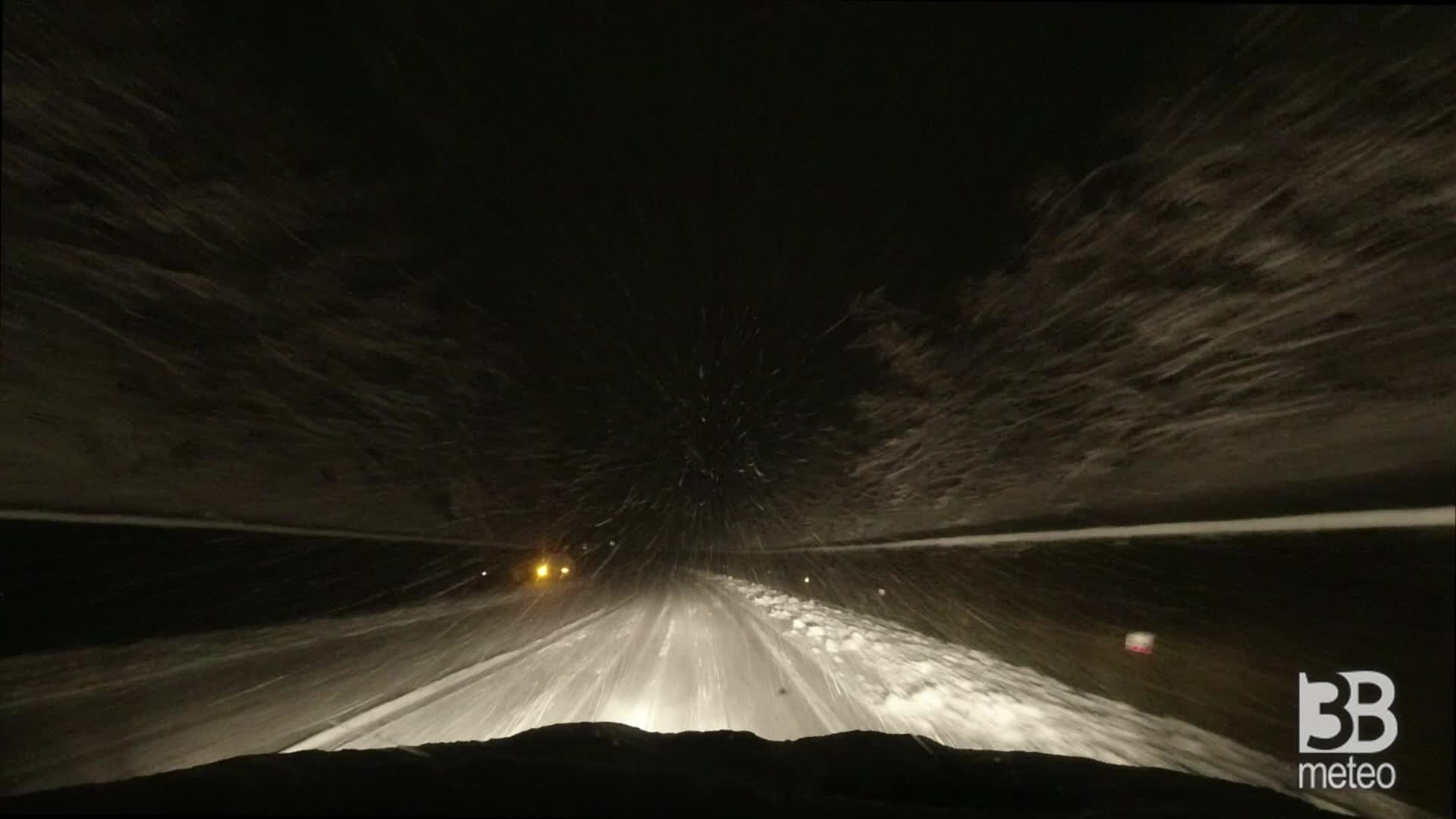 Calabria neve a quote collinari : camera car SS107