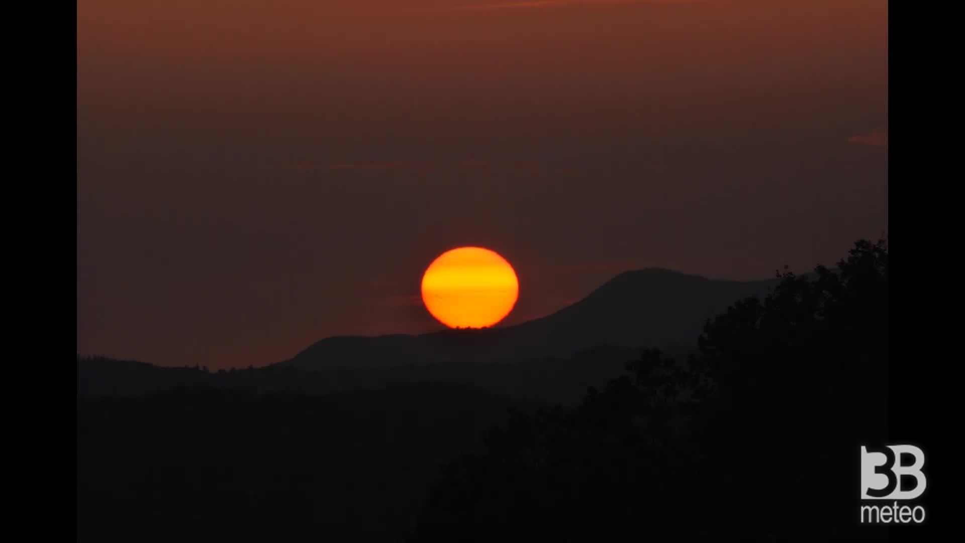 Cronaca meteo video: il suggestivo tramonto del 6.11.2020