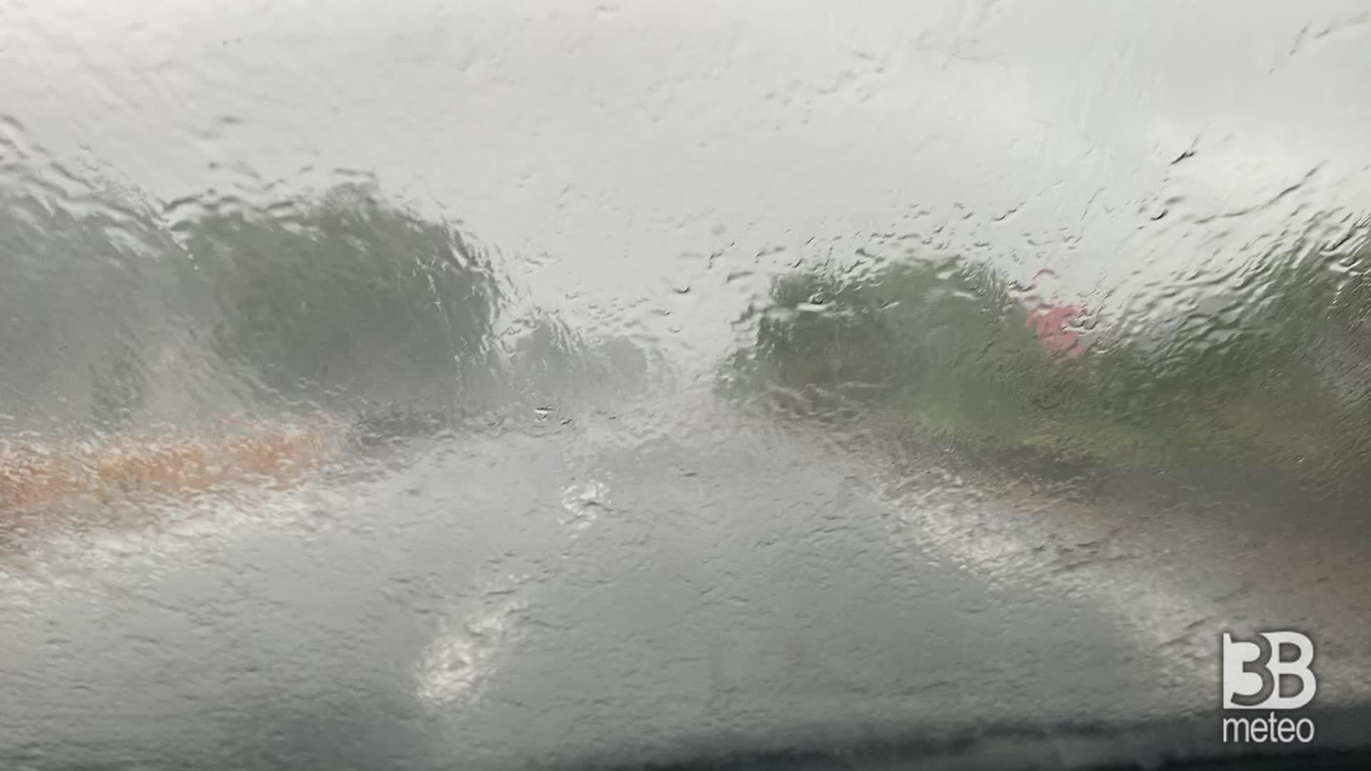 Maltempo, nuovi forti temporali: piove ancora nel varesotto