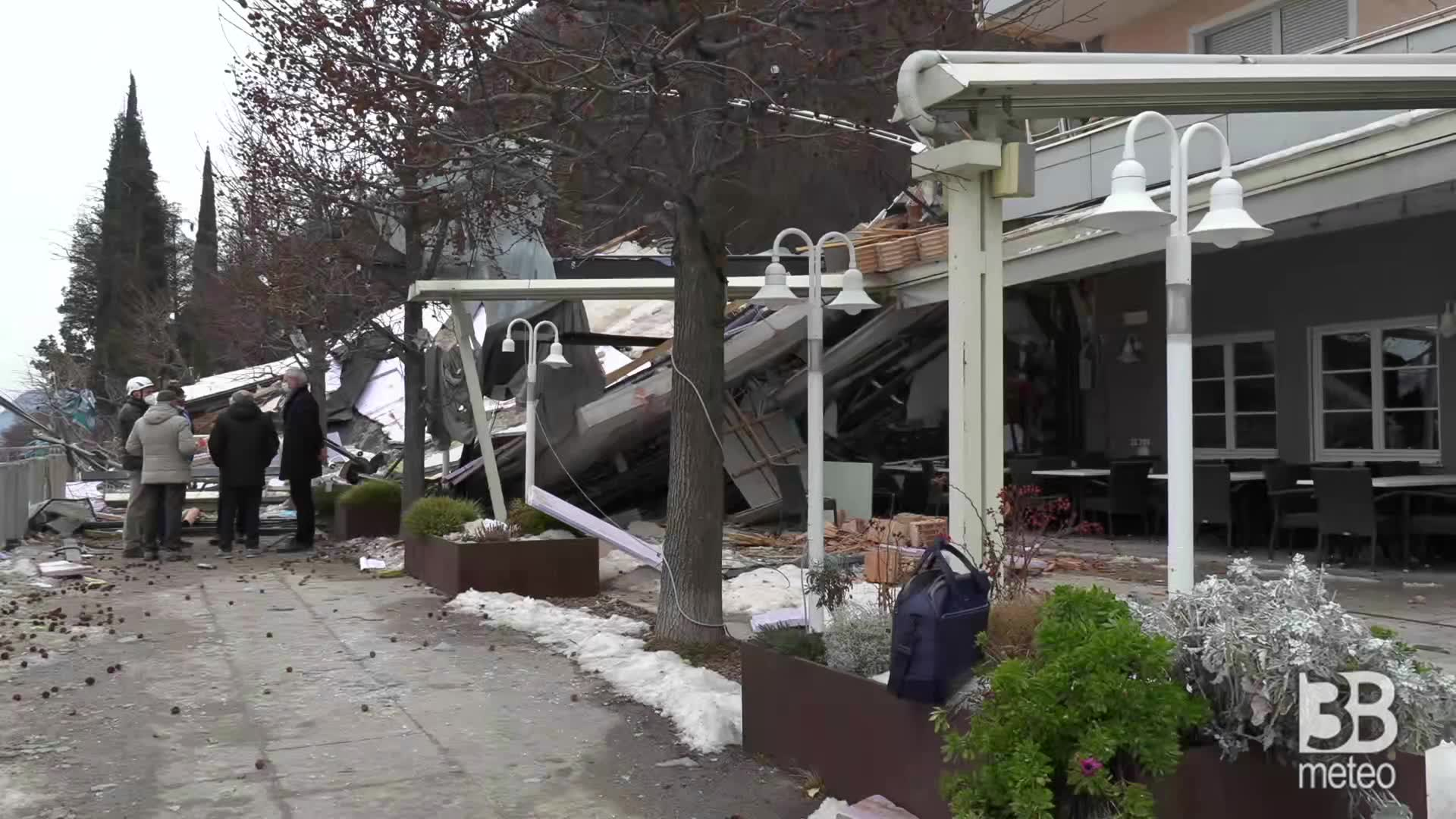 Frana hotel Eberle, i detriti: massi e devastazione