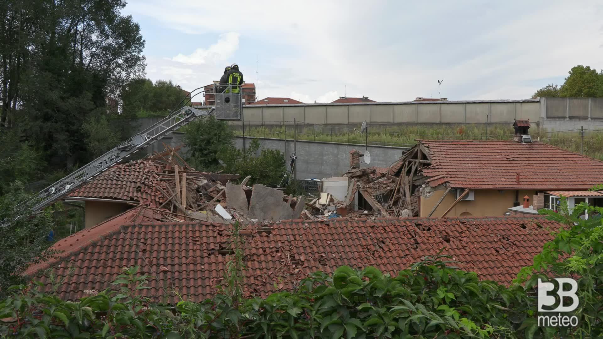 Crollo Torino, verifiche dei vvf: rimossa bombola del gas