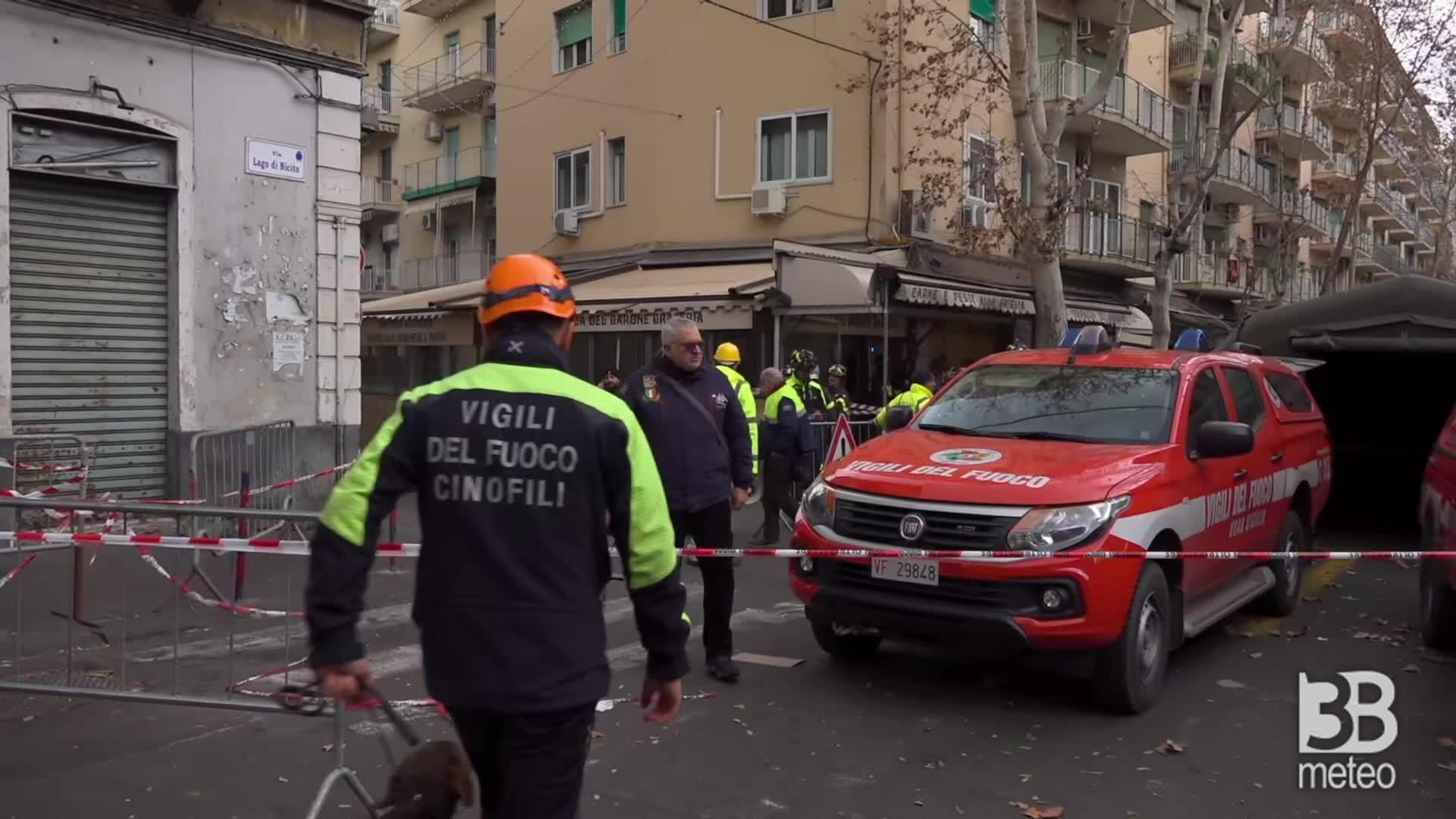 Catania, crollo in palazzina: ricerche delle unità Usar
