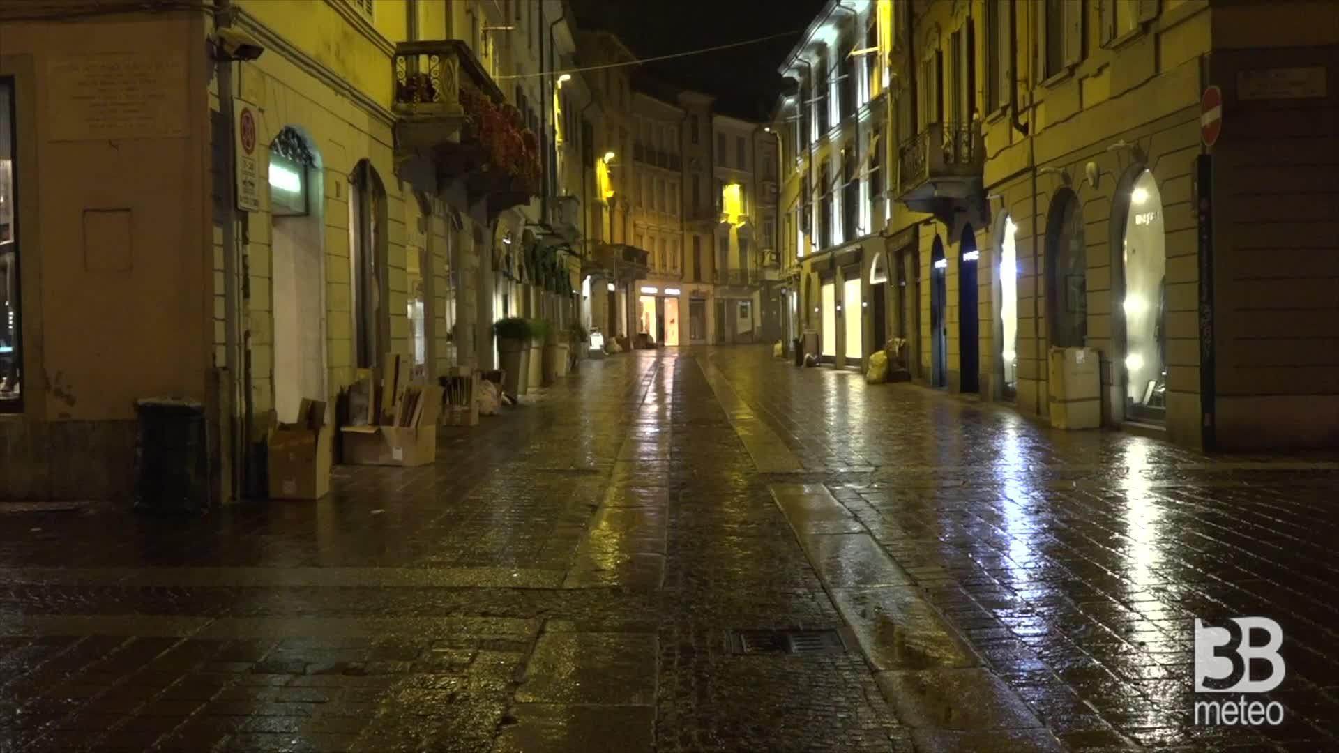 Monza, scatta il coprifuoco: strade in centro deserte