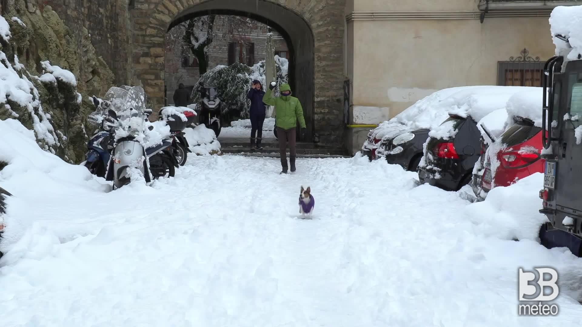 Neve Bergamo Alta, il centro: caduti diversi cm questa mattina